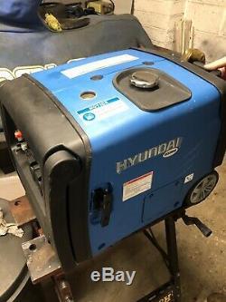 Hyundai 3200W Portable Caravan Inverter Generator HY3200SEi LPG Petrol Gene Gas